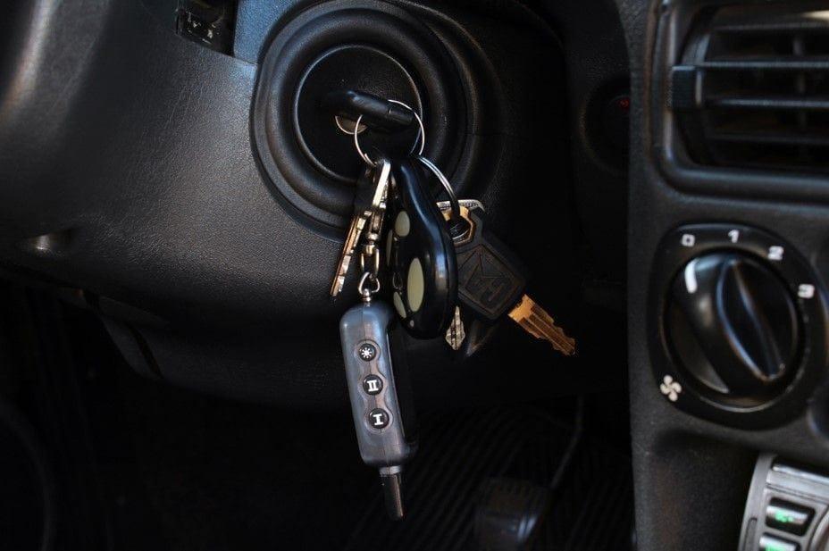Машина не реагирует на ключ зажигания